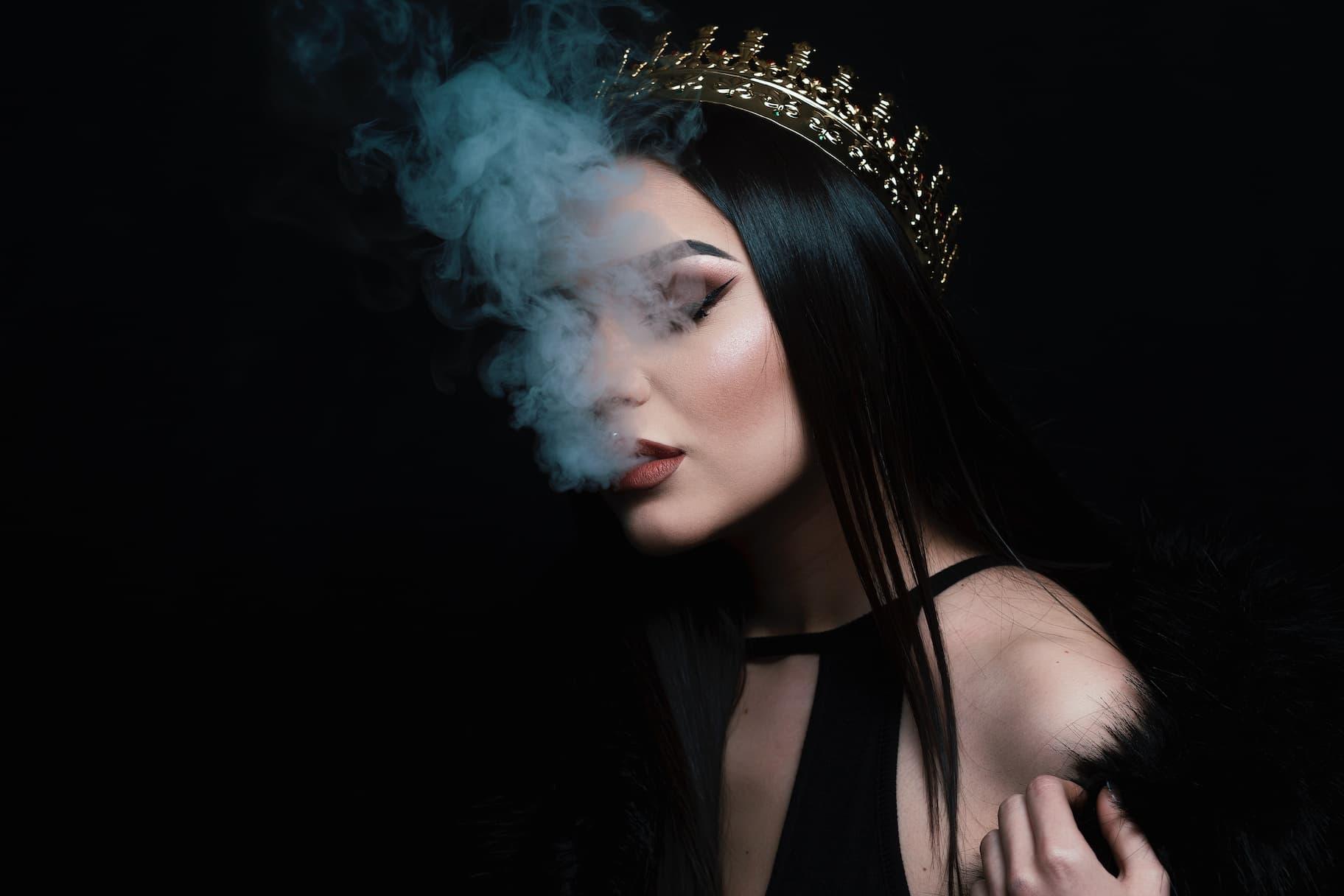 Häufige Fragen und Antworten Cover Bild Lady Smoke